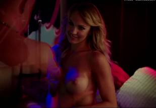 christine bently topless in hot tub time machine 2 5363 8