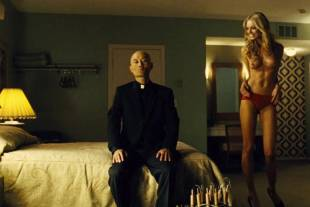 christine marzano topless in seven psychopaths 5361 10