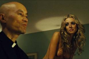 christine marzano topless in seven psychopaths 5361 16