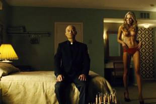 christine marzano topless in seven psychopaths 5361 7