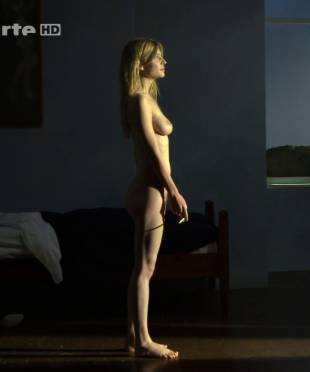 clemence poesy nude to enjoy the view in hope 9953 15