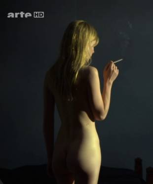 clemence poesy nude to enjoy the view in hope 9953 3