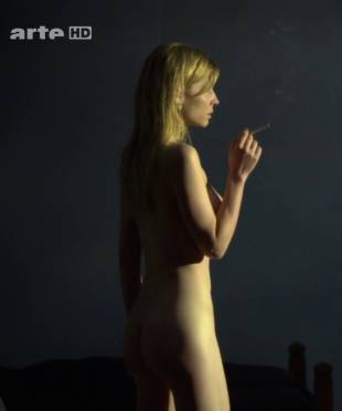 clemence poesy nude to enjoy the view in hope 9953 5