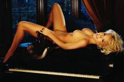 crystal harris nude makes for a runaway bride 4931 10