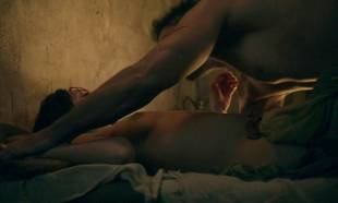 cynthia addai robinson topless in bed for lovin on spartacus 6409 5