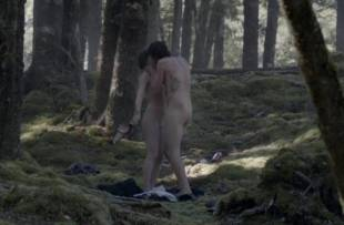 elisabeth moss nude in top of lake 1951 1