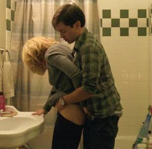 elizabeth banks nude ass bared in the details 4739 7