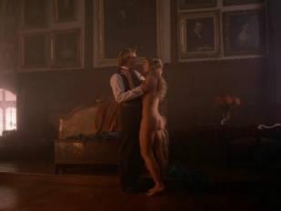 elizabeth hurley nude in aria 3465 12