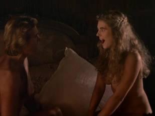 elizabeth hurley nude in aria 3465 15