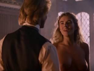 elizabeth hurley nude in aria 3465 6