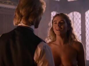 elizabeth hurley nude in aria 3465 8