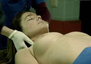 elodie houdas topless in der staatsanwalt 8008 6