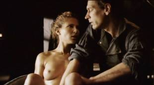 elsa pataky nude to be touched in the tub in romasanta 4810 14