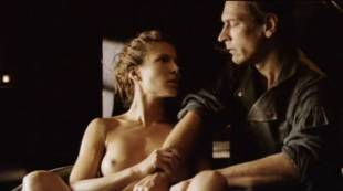 elsa pataky nude to be touched in the tub in romasanta 4810 24
