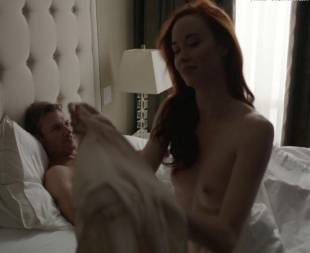 elyse levesque topless in transporter the series 0645 17