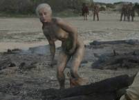 emilia clarke naked and dirty in game of thrones 0610 8