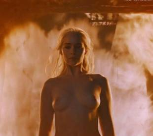 emilia clarke nude and fiery hot on game of thrones 6449 10