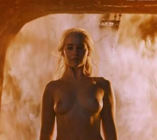 emilia clarke nude and fiery hot on game of thrones 6449 12