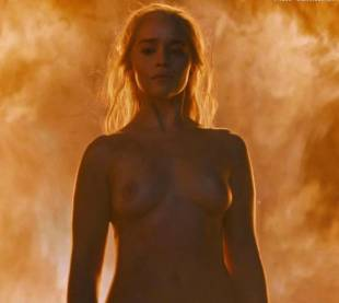 emilia clarke nude and fiery hot on game of thrones 6449 13