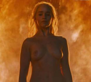 emilia clarke nude and fiery hot on game of thrones 6449 14