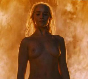 emilia clarke nude and fiery hot on game of thrones 6449 17