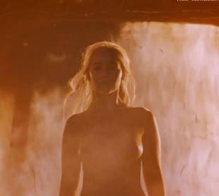 emilia clarke nude and fiery hot on game of thrones 6449 2