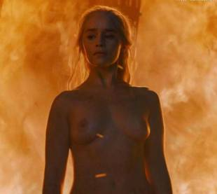 emilia clarke nude and fiery hot on game of thrones 6449 20