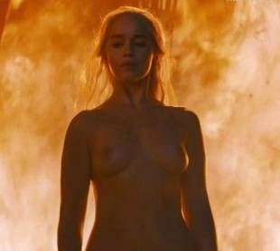emilia clarke nude and fiery hot on game of thrones 6449 22