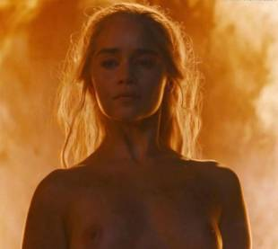 emilia clarke nude and fiery hot on game of thrones 6449 24