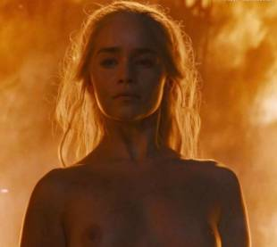 emilia clarke nude and fiery hot on game of thrones 6449 25