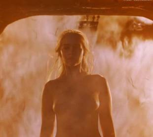 emilia clarke nude and fiery hot on game of thrones 6449 3