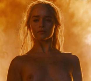 emilia clarke nude and fiery hot on game of thrones 6449 30