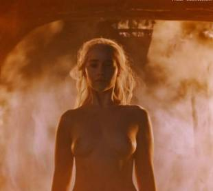 emilia clarke nude and fiery hot on game of thrones 6449 5
