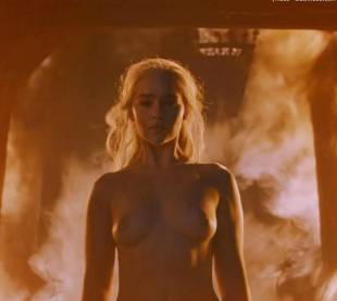 emilia clarke nude and fiery hot on game of thrones 6449 9