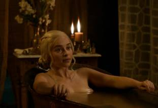 emilia clarke nude out of the bath on game of thrones 2410 3