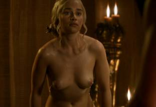 emilia clarke nude out of the bath on game of thrones 2410 9