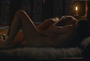 emilia clarke nude with kit harington on game of thrones 5986 8