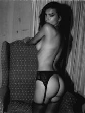 emily ratajkowski nude to play with her hair 9501 4