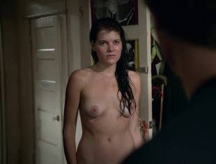 emma greenwell topless to drop the towel on shameless 1586 8