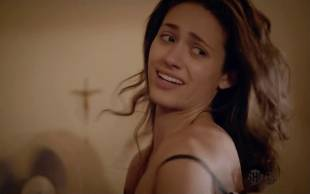 emmy rossum topless to beat the heat on shameless 8558 8