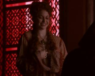esme bianco topless for the man on game of thrones 4016 1