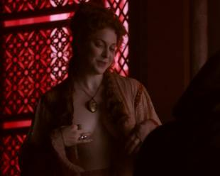 esme bianco topless for the man on game of thrones 4016 2