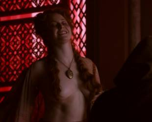 esme bianco topless for the man on game of thrones 4016 5