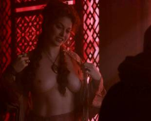 esme bianco topless for the man on game of thrones 4016 7