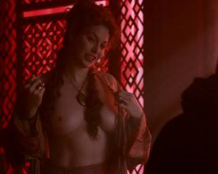 esme bianco topless for the man on game of thrones 4016 8
