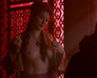 esme bianco topless for the man on game of thrones 4016 9