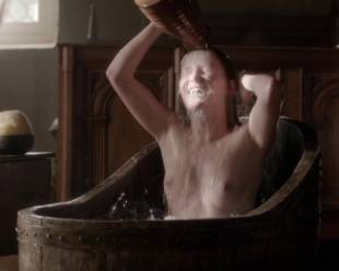 eve ponsonby topless in bath from the white queen 3095 9