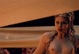 extras bring extended orgy of nude women to spartacus 0435 1