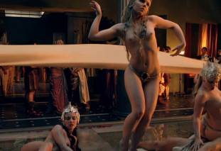 extras bring extended orgy of nude women to spartacus 0435 13