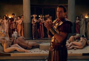 extras bring extended orgy of nude women to spartacus 0435 21